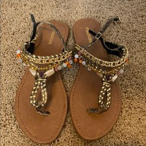 BRAND NEW maurices sandles